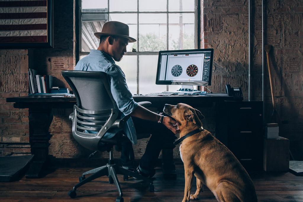 dog-benefits-at-work-3