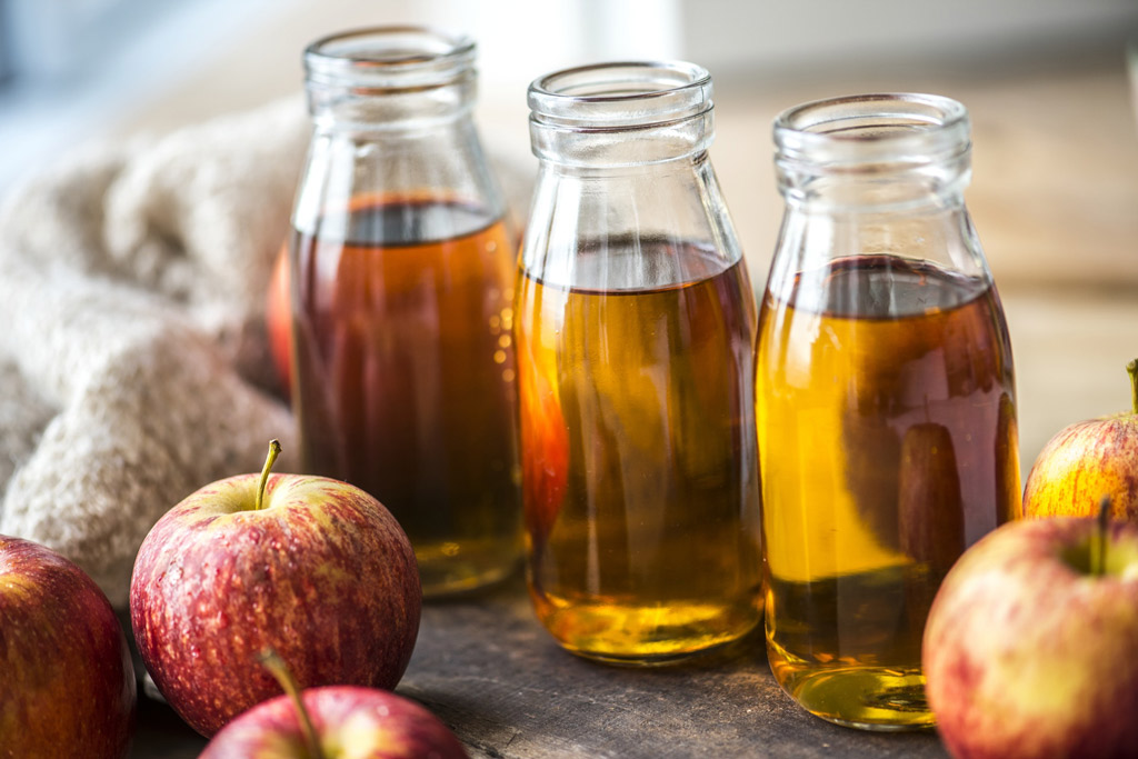 dog-natural-remedies-apple-cider-vinegar