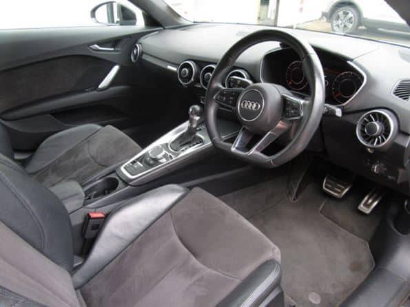 Audi TT 2.0 Roadster