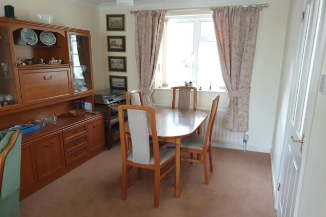 2 bedroom detached house for sale Crewkerne