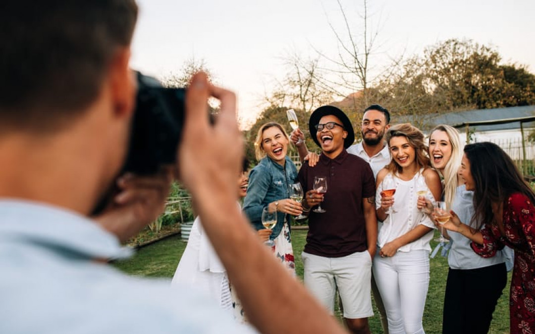 Photographing a Party? Here Are Some Tips and Tricks