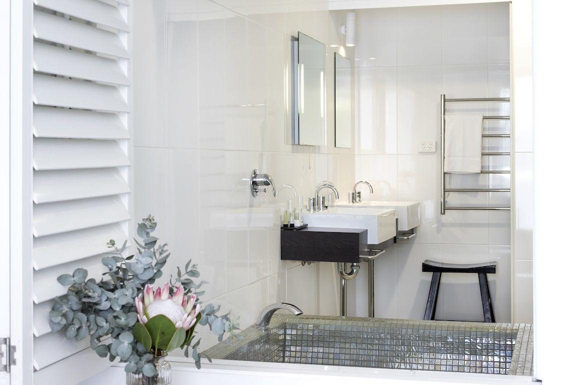 Luxury Suite Bathroom 07 copy