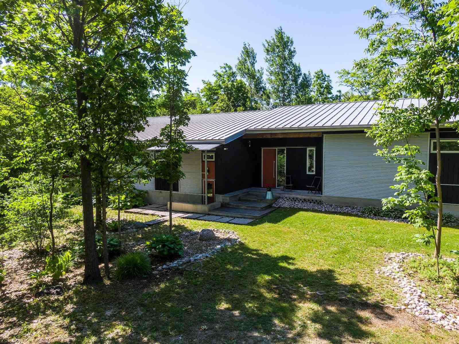 141 Mountain Rd. Meaford