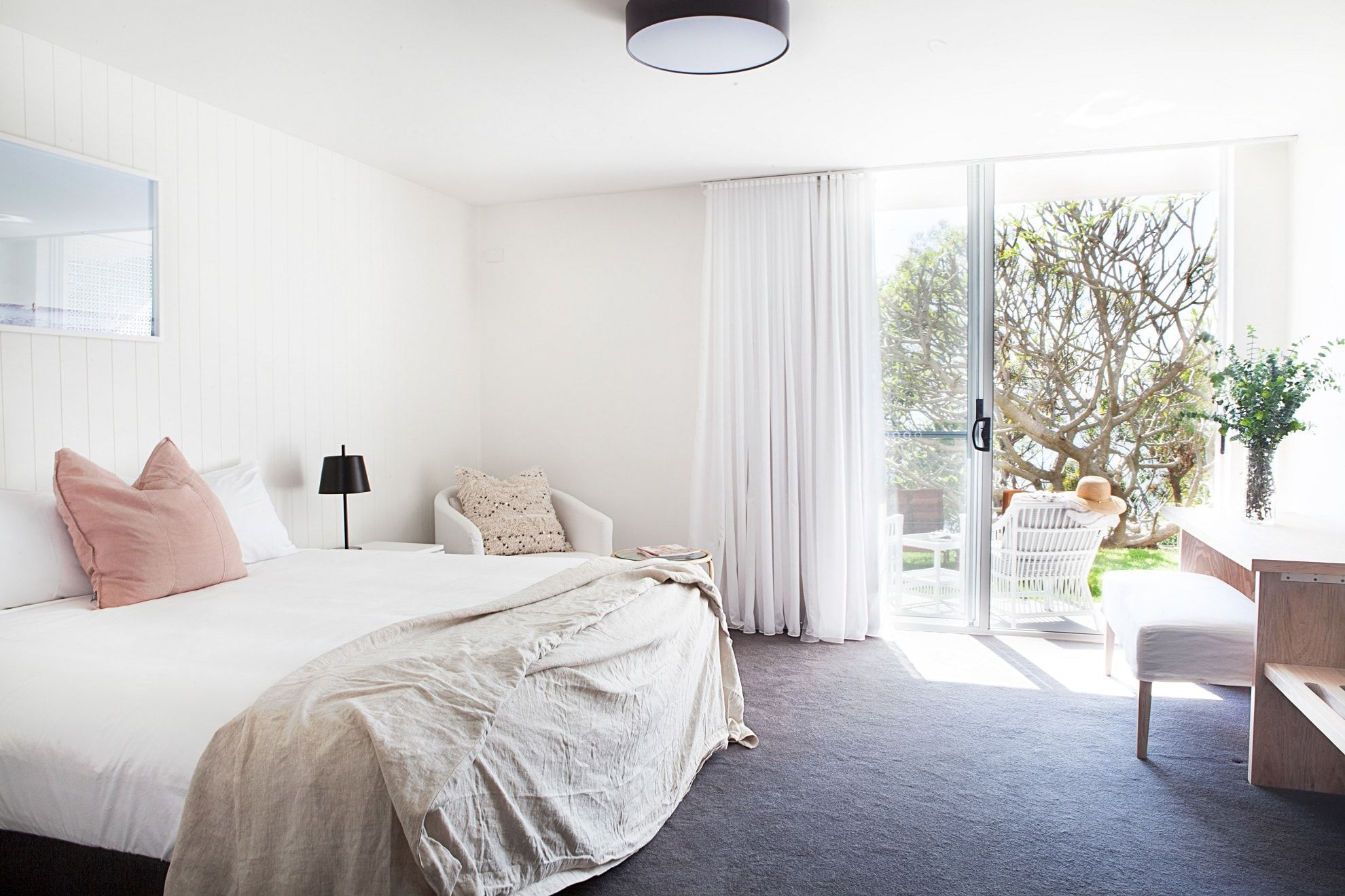 Ground-floor Hotel suite with views outside to garden