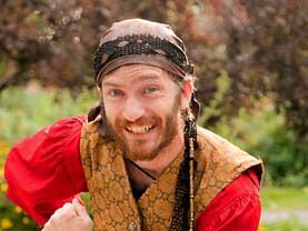 Our theatre combat specialist Pirate will train all your little boy pirates at the party