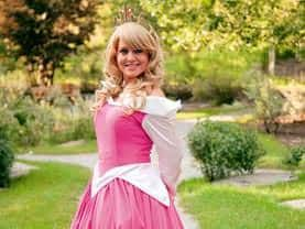 Happy to entertain in Airdrie and Strathmore, the Sleeping Princess loves to wear pink or blue depending on what her fairy godmothers can agree on