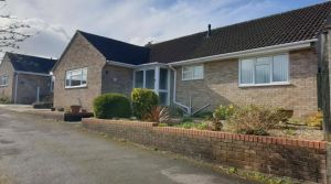 3 bedroom detached bungalow for sale Middle Path