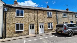 2 bedroom terraced house for sale Crewkerne