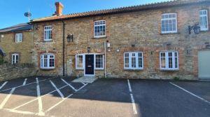 2 bedroom ground floor flat for sale Haselbury Plucknett