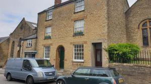 2 bedroom flat to rent Crewkerne
