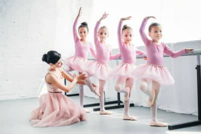 4 girls learning ballet