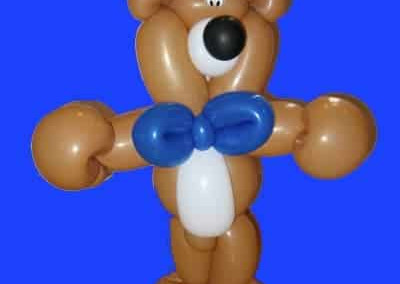 Bear balloon sculpture