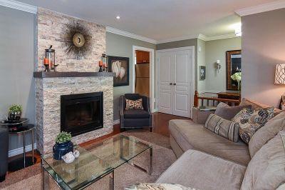 10. 200 Appleford Court Hamilton - Living Room View