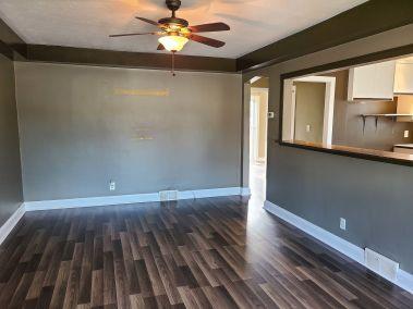 10. 65 East 38th Street - Living Room