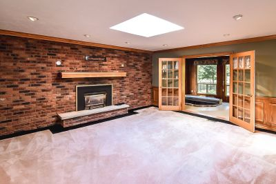 11. 1242 Fiddlers Green Road - Family Room