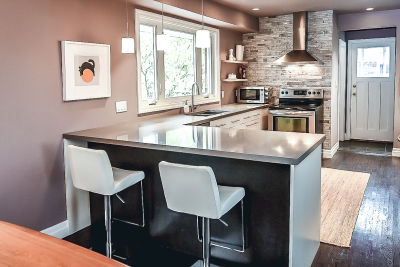 14. 129 Howard Ave - Kitchen Island