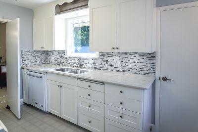 14. 71 Grant Blvd Dundas - Kitchen View