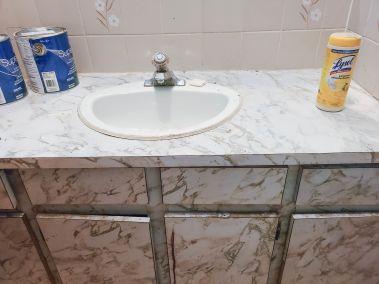 18. 166 Catharine St N - Bathroom