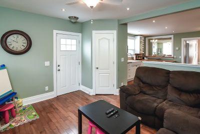 18. 75 Magill Street Hamilton - Family Room View