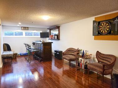 19. 131 Highridge Avenue Hamilton Bar Area Overview