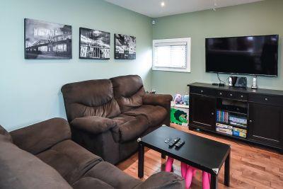 19. 75 Magill Street Hamilton - Family Room