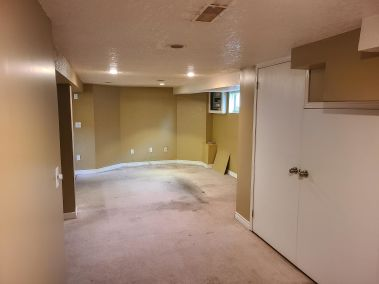 20. 65 East 38th Street - Rec Room