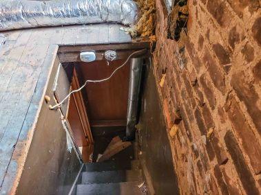 21. 166 Catharine St N - Attic Stairway