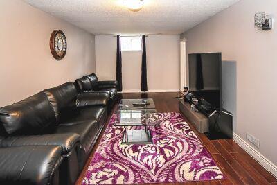 23. 131 Highridge Avenue Hamilton - Family Room