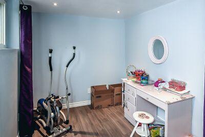 24. 131 Highridge Avenue Hamilton - Lower Bedroom