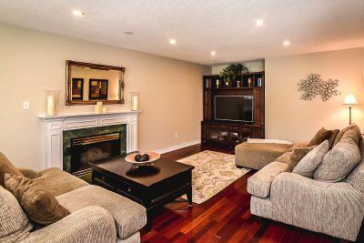 Family Room - 990 Upper Kenilworth Avenue Hamilton East Mountain