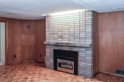 25. 71 Grant Blvd Dundas - Family Room Fireplace