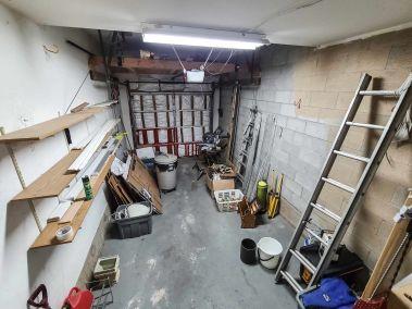 27. 11-5004 Friesen Blvd Beamsville - Garage