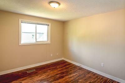 31. 102 MacIntosh Drive Stoney Creek - Bedroom B