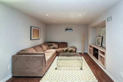 32. 129 Howard Ave - Family Room