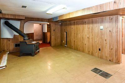 34. 1242 Fiddlers Green Road - Rec Room