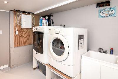 35. 75 Magill Street Hamilton - Laundry