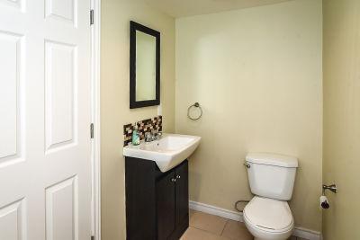 38. 102 MacIntosh Drive Stoney Creek - Lower Bathroom