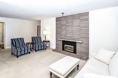 4. 71 Grant Blvd Dundas - Living Room 1
