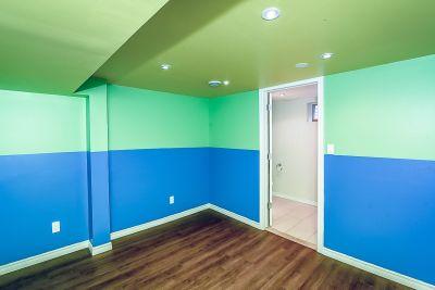 40. 102 MacIntosh Drive Stoney Creek - Lower Bedroom
