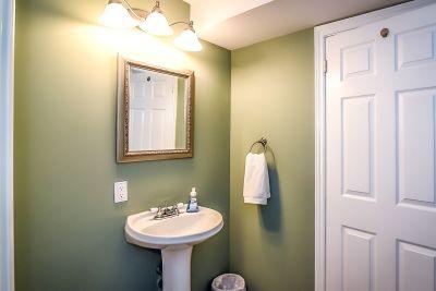 Basement Bathroom - 990 Upper Kenilworth Avenue Hamilton East Mountain
