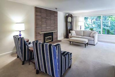 5. 71 Grant Blvd Dundas - Living Room 2