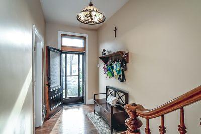 5. 75 Magill Street Hamilton - Foyer