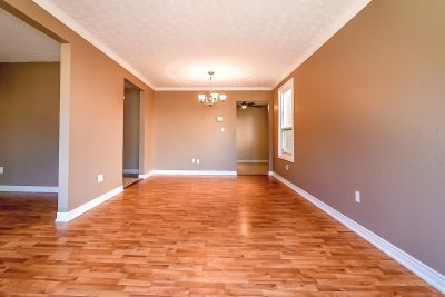 6. 102 MacIntosh Drive Stoney Creek - Living Room