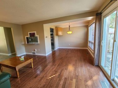 6. 11-5004 Friesen Blvd Beamsville - Living Room Overview