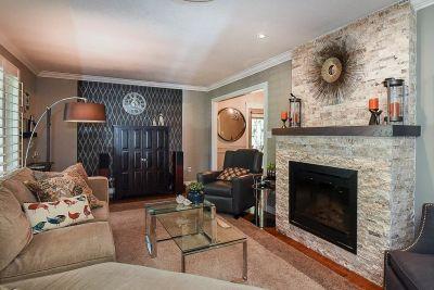 6. 200 Appleford Court Hamilton - Living Room 1