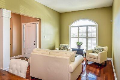 Living Room - 990 Upper Kenilworth Avenue Hamilton East Mountain