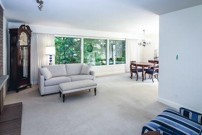 8. 71 Grant Blvd Dundas - Living Room View