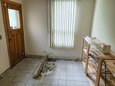 9. 166 Catharine St N - Back Room