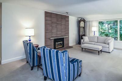 9. 71 Grant Blvd Dundas - Living Room