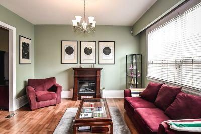 9. 75 Magill Street Hamilton - Living Room
